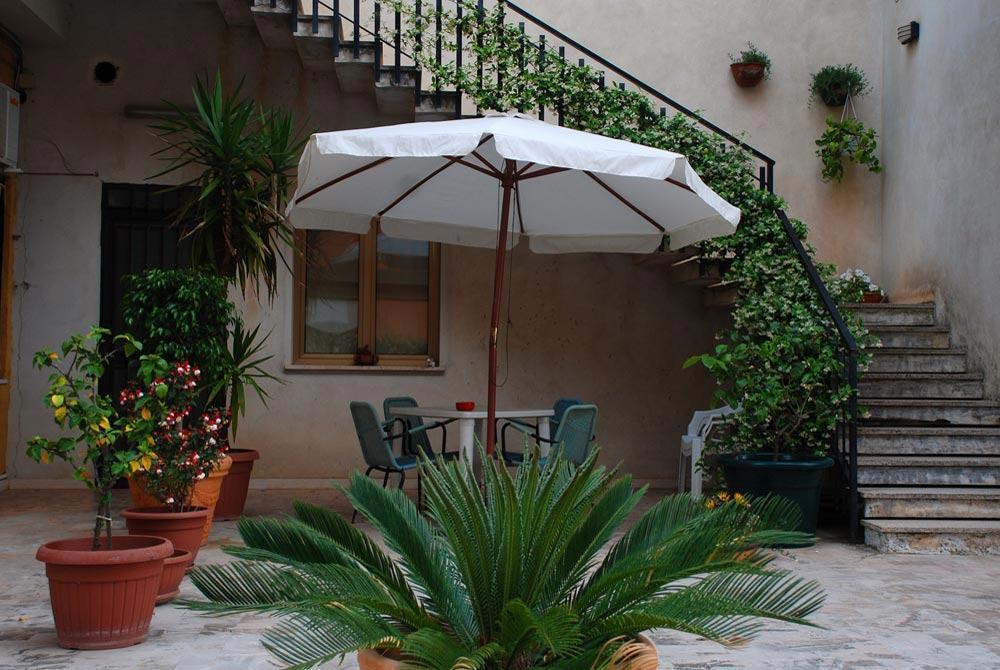 Foto di un particolare dell'esterno del B&B Sant'Eufemia a Lamezia Terme
